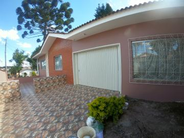 Alugar Casa / Padrão em Ponta Grossa. apenas R$ 3.000,00