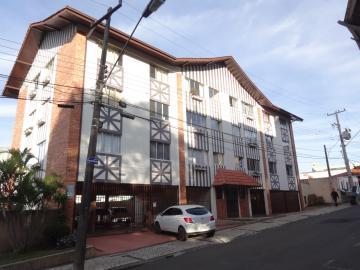 Alugar Apartamento / Padrão em Ponta Grossa. apenas R$ 880,00