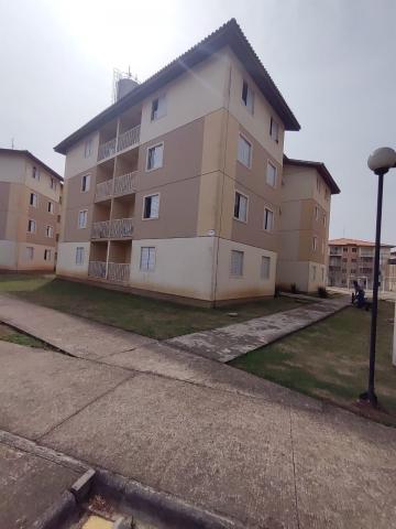 Alugar Apartamento / Padrão em Ponta Grossa. apenas R$ 780,00