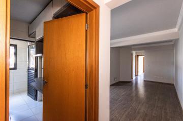 Alugar Apartamento / Padrão em Ponta Grossa R$ 1.600,00 - Foto 2