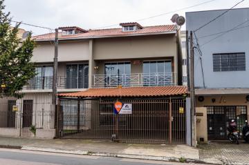 Alugar Casa / Sobrado em Ponta Grossa. apenas R$ 1.800,00