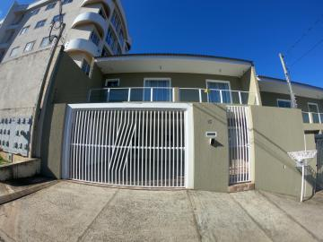 Casa / Sobrado em Ponta Grossa Alugar por R$2.400,00