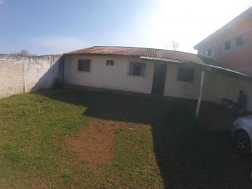 Casa / Padrão em Ponta Grossa Alugar por R$720,00