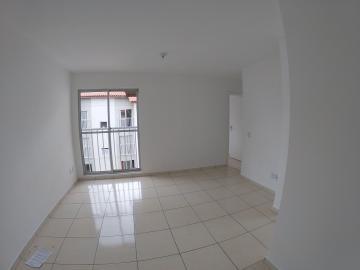 Apartamento / Padrão em Ponta Grossa Alugar por R$450,00