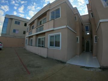Alugar Apartamento / Padrão em Ponta Grossa. apenas R$ 600,00