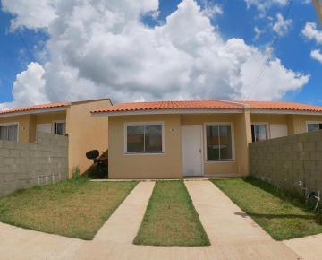 Casa / Condomínio em Ponta Grossa Alugar por R$520,00