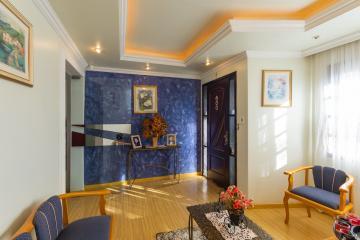 Casa / Padrão em Ponta Grossa , Comprar por R$450.000,00