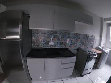 Apartamento / Padrão em Ponta Grossa Alugar por R$880,00