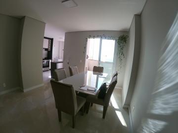 Apartamento / Padrão em Ponta Grossa Alugar por R$1.900,00