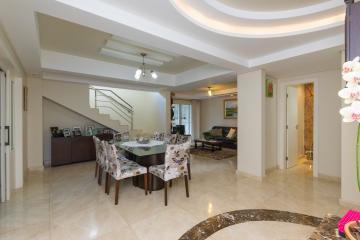 Casa / Padrão em Ponta Grossa , Comprar por R$1.400.000,00