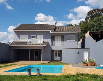 Casa / Padrão em Ponta Grossa Alugar por R$3.800,00