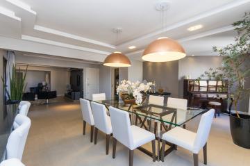 Apartamento / Padrão em Ponta Grossa , Comprar por R$980.000,00