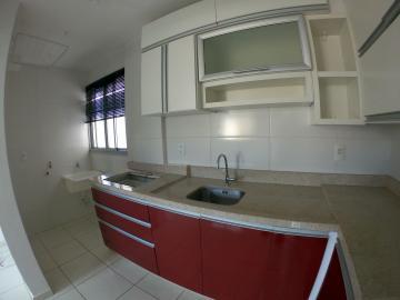 Alugar Apartamento / Padrão em Ponta Grossa. apenas R$ 1.150,00