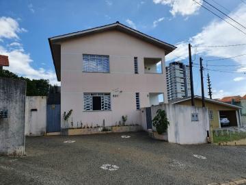 Casa / Padrão em Ponta Grossa Alugar por R$1.200,00