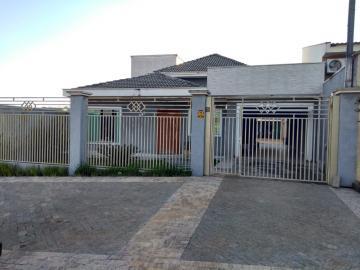 Alugar Casa / Padrão em Ponta Grossa. apenas R$ 900.000,00