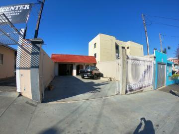 Alugar Comercial / Casa em Ponta Grossa R$ 3.000,00 - Foto 1