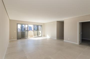 Comprar Apartamento / Padrão em Ponta Grossa R$ 1.200.000,00 - Foto 2