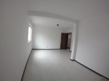 Alugar Apartamento / Padrão em Ponta Grossa R$ 750,00 - Foto 3